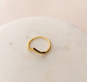 Feiner Ring mit Dreieck - 925er Sterling Silber gold doubliert - LUXAA®