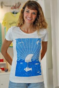 """T-Shirt  """"Hai Fisch"""" Fin Flosse - Fair Wear Frauen T-Shirt - Natur - päfjes"""
