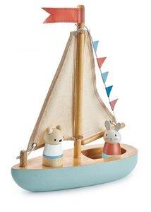 Segelbot aus Gummibaumholz mit Stoffsegel - Tender Leaf Toys