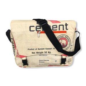 Umhängetasche CR4 recycelter Zementsack - Beadbags