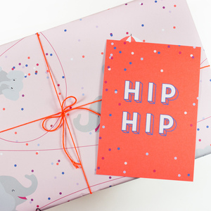 Postkarte Hip Hip - Bow & Hummingbird