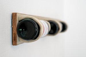 Weinregal Deluxe aus Schultisch grau - Jungleboards