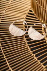 Ohrringe aus 925er Silber, gebürstet - El Puente