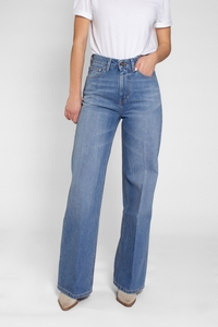 HARPER Loose Flare Jeans (light indigo) - Kuyichi