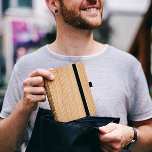 Notizbuch aus Holz in A6, A5 oder A4, Eiche, Walnuss, Padouk mit den Einlagen: Punktiert, Blanko oder dem Jahresplaner - JUNGHOLZ Design