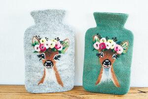 Wärmflasche Reh aus Schurwolle (Merino), natur oder farn - hergestellt in Handarbeit - feelz