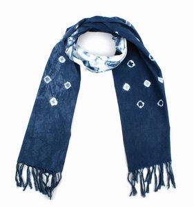 """Schal """"Indigo"""", handgewebt aus 100% Baumwolle Farbe: Batik, weiß/indigoblau - El Puente"""