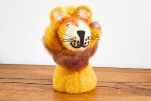 Eierwärmer Löwe, Tierfigur aus Filz - feelz