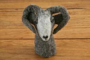 Eierwärmer Steinbock, Tierfigur aus Filz - feelz