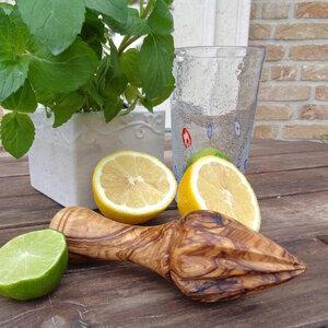Zitronenpresse aus Olivenholz - Olivenholz erleben