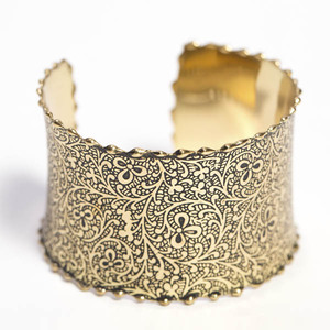 'Gold Impressions' Armreif aus Messing - Kalakosh