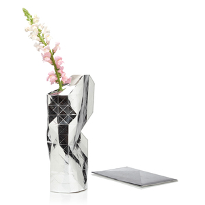 Paper Vase Cover - Dutch Design Papiervase - silber - Pepe Heykoop