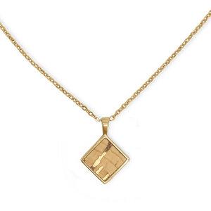 Kurze Halskette Gold mit Kork | 18k vergoldet | Kettenanhänger Quadrat - KAALEE jewelry