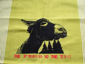 Handgewebtes Fair-Trade-Geschirrtuch 'Be proud to be you!' grün - Hirschkind