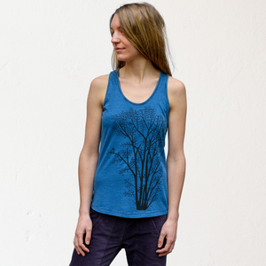 Tank-Top Erle mit Elster in light indigo - Cmig