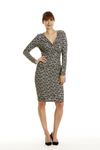 Stella Fitted Dress mit Wickeloptik in Black/White - People Tree