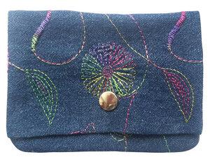 Leesha WILDe Upcycling Portemonnaie Bunte Jeans aus Stoff - Leesha