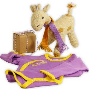 Besonderes Babygeschenk: Giraffe u. Pima Wickelbody - Mama Ocllo