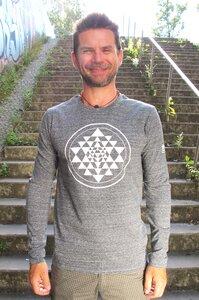 Yoga Longsleeve 'Sri Yantra' - YogiCompany
