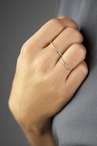 Zarter Ring aus 925er Sterling Silber - LUXAA