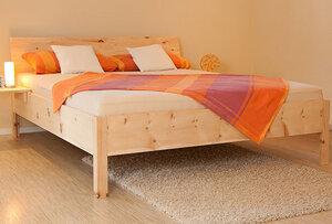Hochwertiges Massivholzbett aus Zirbenholz - Echte Handarbeit - 4betterdays