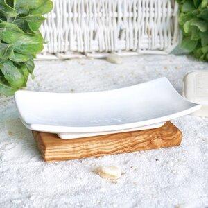 Seifenschale Porzellan auf Olivenholzfuß - Olivenholz erleben