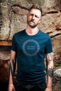 Die Welt erfahren Shirt - awear T-Shirt for Men - awear