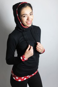 Bio Hoodie 'Marize' schwarz/ rot- weiße Punkte - Frija Omina