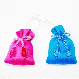 Minigeschenksäckchen Anhänger aus Seide - Schönes aus Indochina