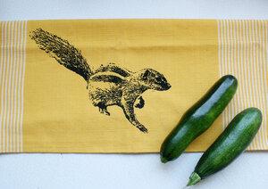 Fair-Trade-Geschirrtuch 'Streifenhörnchen' gelb - Hirschkind