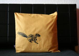 Bio-Kissenbezug 'Streifenhörnchen' gelb - Hirschkind