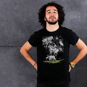 Crocodile in a Wonderland - Männershirt aus Biobaumwolle mit Druck - Coromandel