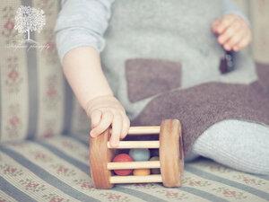 """Babyrassel """"Babyroller"""" aus Holz - vennligetreleker.no"""