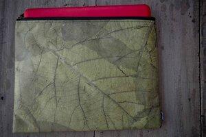 Laptop Hülle aus Blättern 13 - 14 Zoll - Vegan, Notebook Case, wasserabreisend grün, Leaf Laptop case 13 -14 inch  - BY COPALA