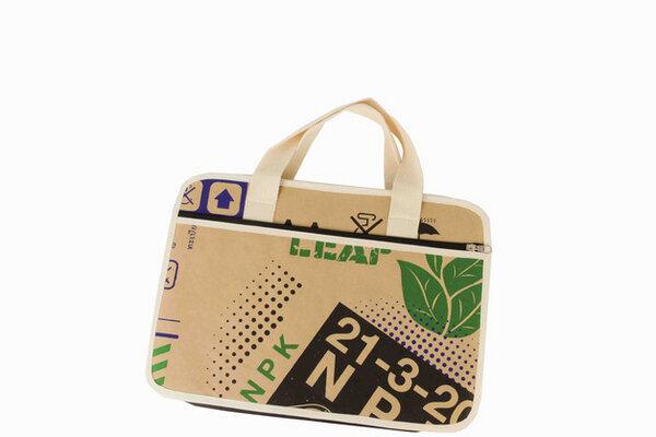 by copala papier macbook tasche 15 zoll case aus wasserfesten recycling papier handgemacht. Black Bedroom Furniture Sets. Home Design Ideas