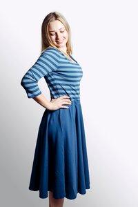 Kleid 'Vrida' rauchblau- / grau gestreift - Frija Omina