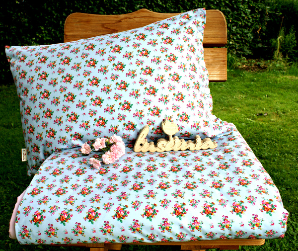 luscinia bettw sche rosen blau avocadostore. Black Bedroom Furniture Sets. Home Design Ideas