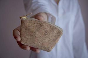 Täschchen aus recyceltem Kork, Etui, Mini-Portemonnaie, wasserabweisend - By Copala