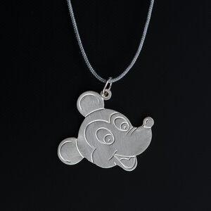 Einzelstück: Vintage Anhänger Micky Mouse 925 Silber mit Fadenkettchen hellgrau - längenverstellbar - MishMish by WearPositive