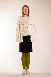 schlichte, weiße Jacke aus reiner Biowolle - Natascha von Hirschhausen