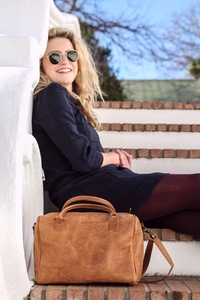 Leather ladies shoulder bag | Toffee - Freedom of Movement