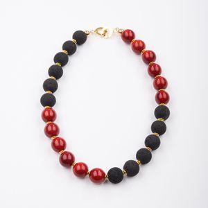 """Collier """"Viertelvier"""", rote Tagua und Lava, 925er Silber vergoldet - steinfarben"""