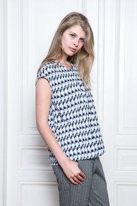 RI Sleeveless Shirt - Geometrical - Frieda Sand