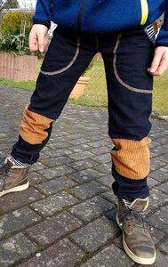 Mitwachs-Jeans blau mit Taschen und mittelbraunen Cordflicken - Omilich