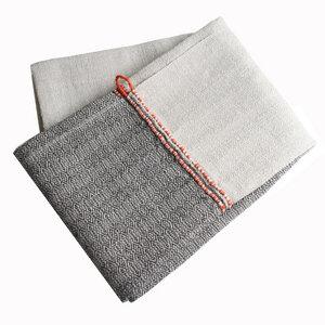 Saunahandtuch XXL von tuchmacherin, natur/schiefer mit Aufhänger - tuchmacherin - handgewebtes design + filz