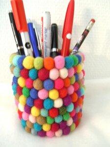 Stifthalter aus handgefilzten Filzkugeln - shortn´pietz