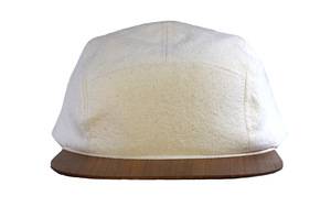 Cap Canvas weiß mit edlem Holzschirm - Made in Germany - Sehr bequem - Lou-i