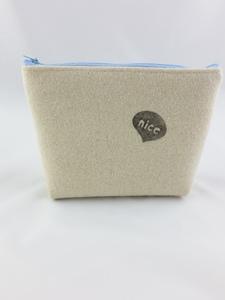 6/T  Kleine Tasche im schlichten Design aus Wollfilz, handbestempelt - Süßstoff