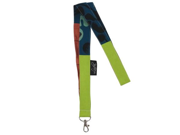 leesha leesha wilde upcycling schl sselband mit karabiner aus stoffesten avocadostore. Black Bedroom Furniture Sets. Home Design Ideas
