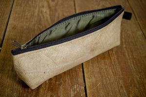 Federmappe Etui aus recycelten Blättern - Vegan, laminiert - BY COPALA